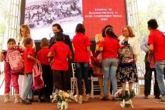 ENTREGA-DE-OBSEQUIOS-A-FAMILIA-APOYADA-re